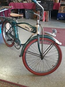 1951 Schwinn Streamliner Skip Tooth Bicycle. BF Goodrich Schwinn Horn Tank. NICE