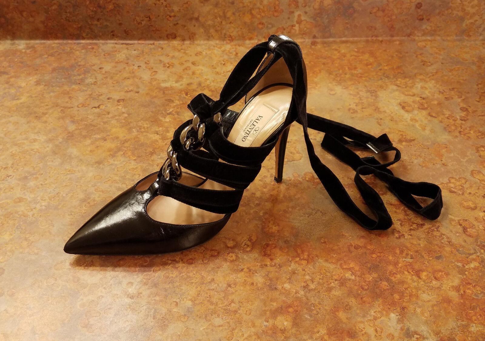 New  Valentino Chain Velvet Ankle-Wrap Pump Black Size 7.5 US 37.5 Eur MSRP  995