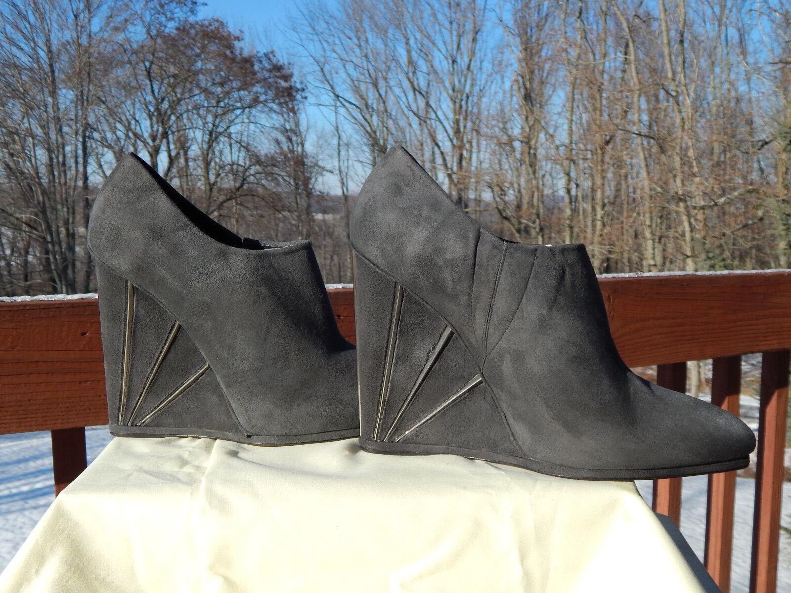NWB Donna Stuart Weitzman Crop Wedge Booties, 9M Slate Suede style MQ32066