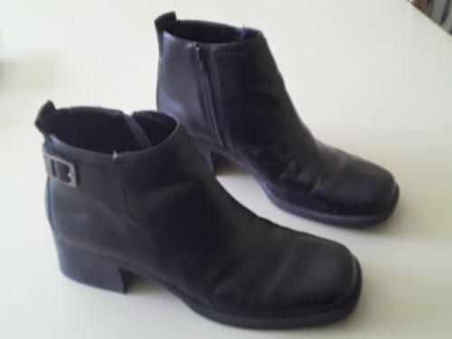 Womens Dockers Black Ankle High Boots. 8 1/2 mediu