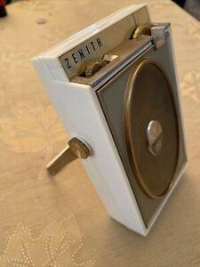 Vintage Zenith Transistor Radio Model Royal 500