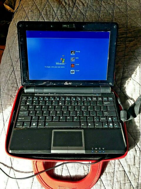 Black Asus Eee Pc 1000he Laptop with Case and Charger