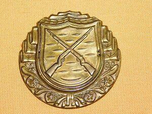 VINTAGE-WW2-WWII-BRASS-CROSSED-RIFLES-BADGE-PIN