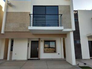 Casa en Venta, Area de Ave. de las Torres y Ejercito Nacional, Ciudad Juarez