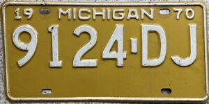 1970 Michigan Great Lake State American License Licence USA Number Plate 9124 DJ