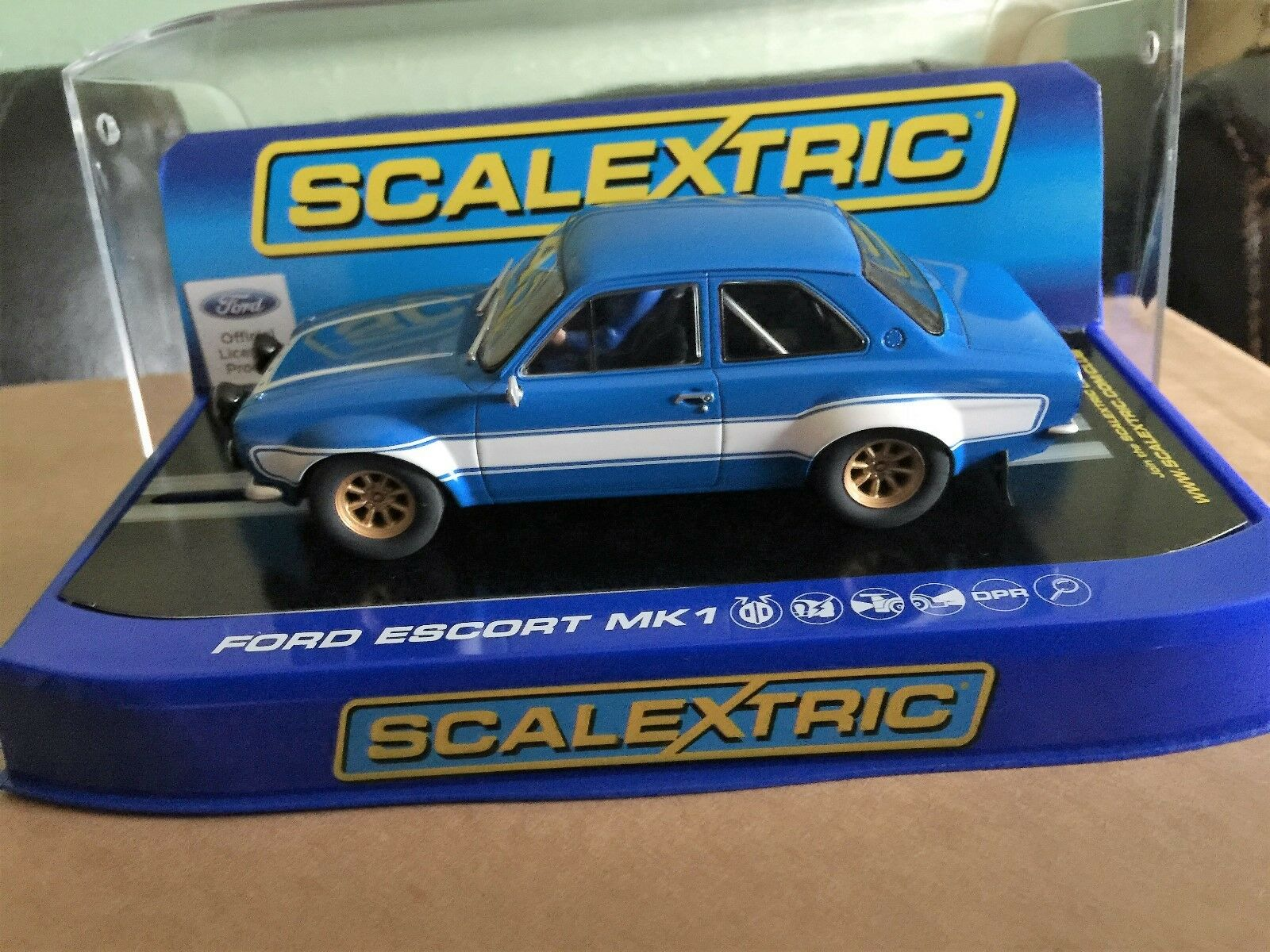 Scalextric Ford Escort Mk1  bluee & White C3592 MB DPR fast& furious