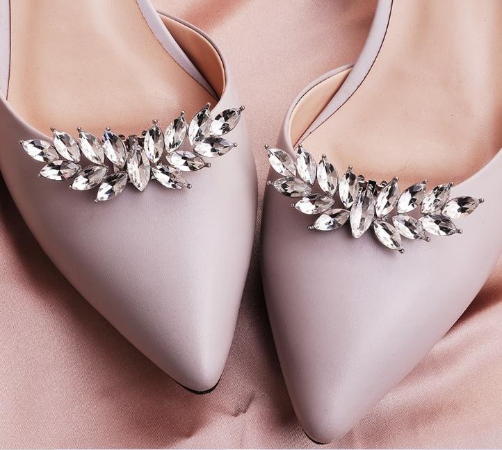 2Pcs Teardrop Shape Crystal Wedding Shoes Charm Buckle Clips Bridal Heels Decor