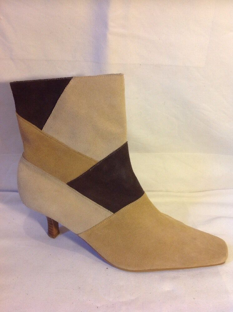 Essence Brown Ankle Suede Boots Size 7