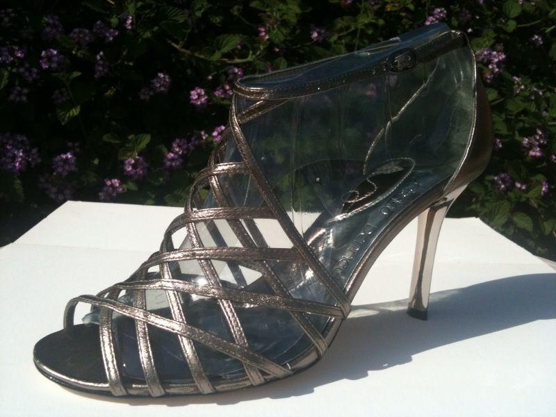125 JESSICA BENNETT Monroe Strappy Leder Heels  Pewter Gray  Größe 11  NEU