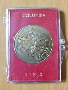 1982-KENNEDY-SPACE-CENTER-ALLEN-COLUMBIA-LENIOR-STS-5-rare-w-original-case