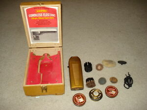 Vintage-Empire-Cordless-Electric-Shoe-Care-Set-in-wooden-box