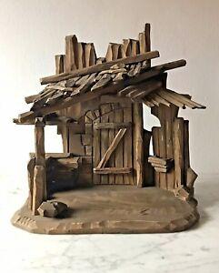 Antike-Weihnachtskrippe-Stall-Holz-gezimmert-um-1940-36-x-35-cm
