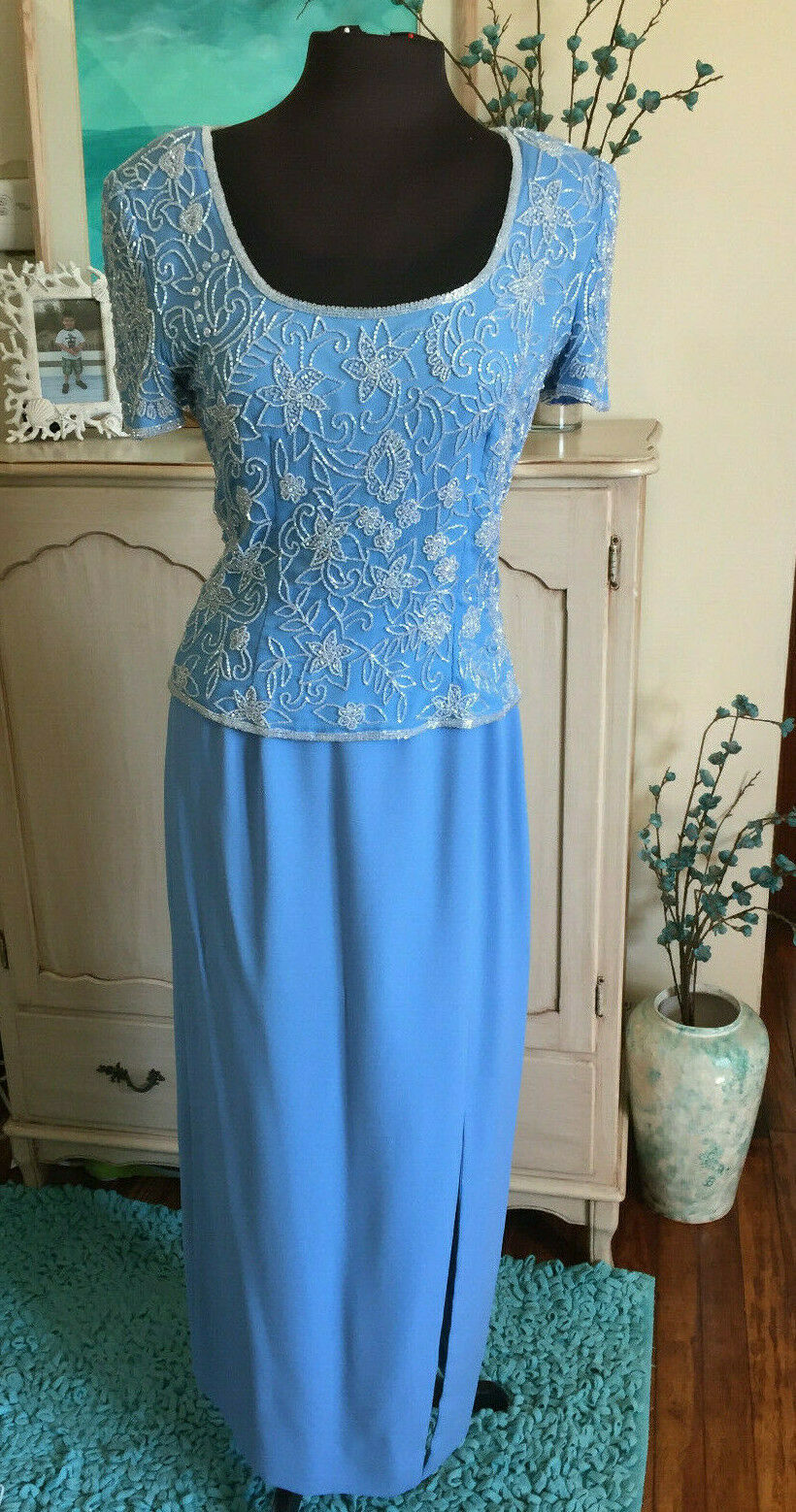 BEAUTIFUL 2 PIECE SOFT blueE PAPELL BOUTIQUE BEADED SIZE 8