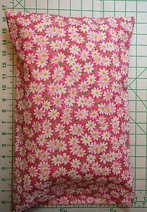 White-Daisies-Daisy-FLOWERS-on-Pink-small-Pillow-Case-1-WHITE-Travel-Pillow