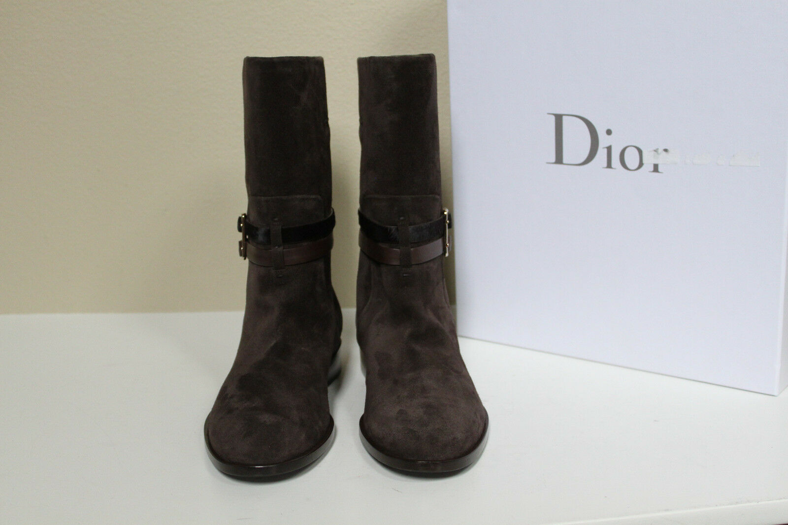 New 9.5 / 39.5 Christian Dior Braun Suede schuhes buckle strapped Logo Boot schuhes Suede 13152a