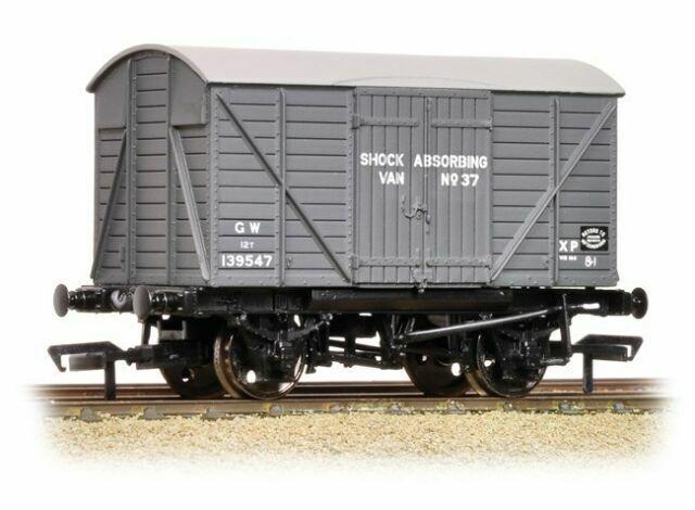 Bachmann 37-904 12T Planked Shock Absorbing Van Planked Ends GWR Grey OO Gauge
