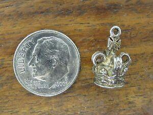 Vintage-silver-ENGLAND-ENGLISH-KING-QUEEN-CROWN-PENDANT-BRACELET-charm-5