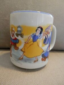 Disney-Snow-White-amp-Seven-Dwarfs-Cup-Mug-Blue-Rim-Disneyland-Disney-World