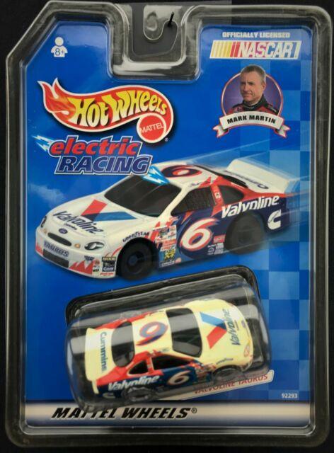 Hot Wheels Mark Martin NASCAR HO Slot Car Electric Racing Valvoline 92293
