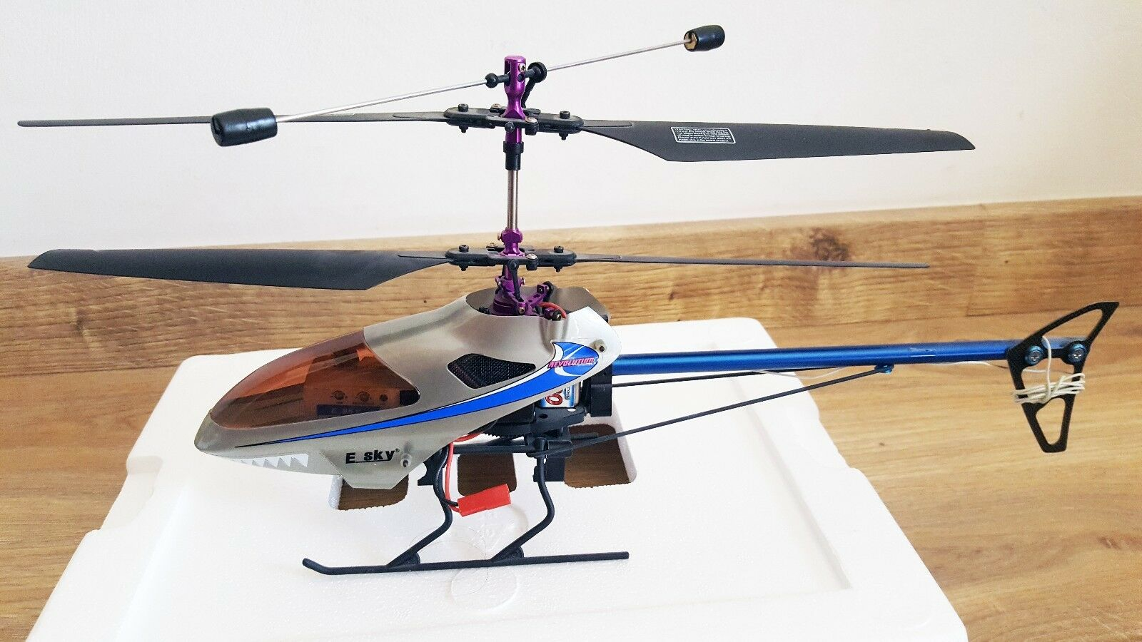 Esky Lama V4 4 CH RC Helicopter with Transmitter (Shipped from Europe)