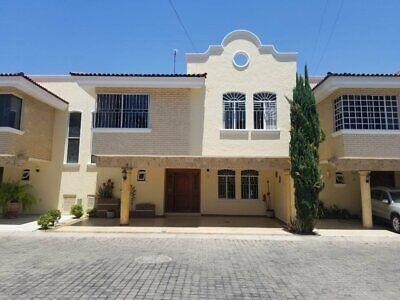 Hermosa Casa en Venta en Residencial Victoria Dentro de un Coto.
