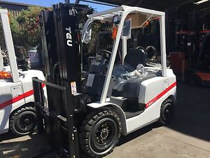 TEU-Forklift-LPG-2-5T-Cascade-Side-Shift-Container-Mast-4-5m-Lift-Nissan-Engine