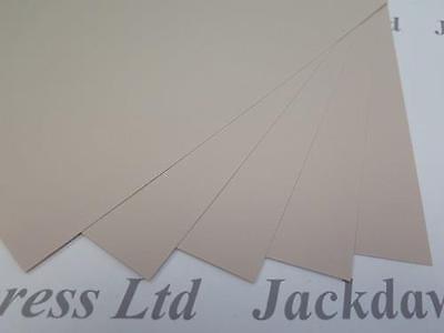 Papel con textura de peso pesado de color beige 150gsm A4 X 25 Hojas Cardmaking AM565