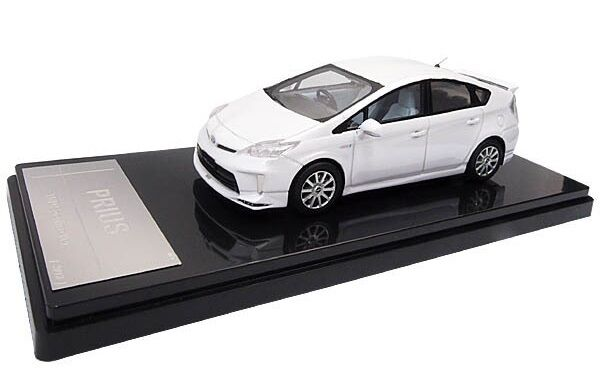 CT511 Toyota PRIUS TRD Sportivo White pearl crystal shine WiT's 1 43 resin model