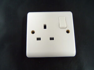Contactum-Aspire-A2346-1-Gang-Double-Pole-13-Amp-Switched-Socket-Outlet-White