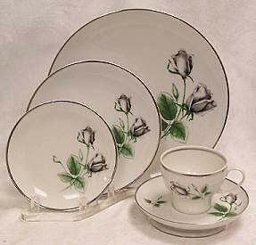 STONEGATE//HERITAGE MIDNIGHT ROSE 5PC PLACE SETTING