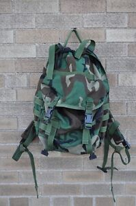 US-Army-MOLLE-II-Patrol-Pack-Woodland-Camo