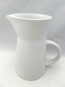 Bennington-Potters-white-on-white-Beverage-serving-Pitcher-1325-dg-EUC