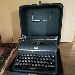 Vintage Royal Quiet De Luxe  Portable Manual Typewriter QDL Pre-1948 nice