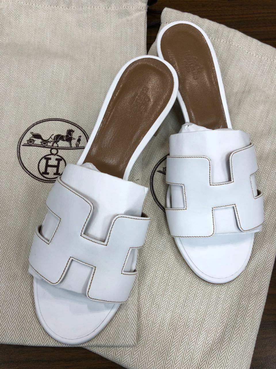 Hermes sandal Oasis, available size from 36 to 40