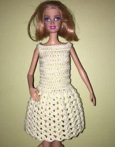 Handamade Jaune Crochet Poupée Robe-afficher Le Titre D'origine DernièRe Mode