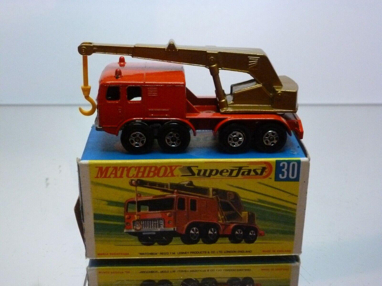 MATCHBOX SUPERFAST 30 8-WHEEL CRANE - rouge + or METALLIC - VERY GOOD IN BOX
