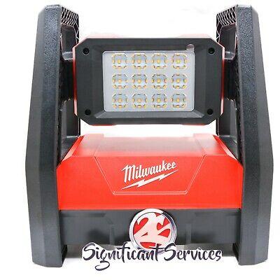 New Milwaukee M18 18-Lithium-Ion Cordless 3000-Lumen ROVER LED AC//DC Flood Light