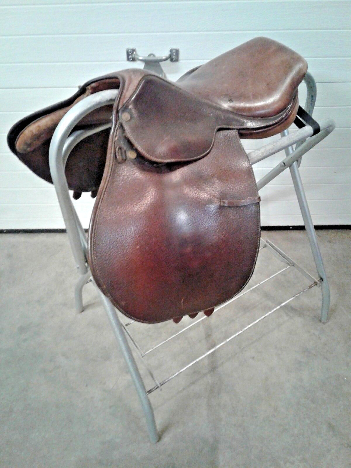 Collegiate 6533 Ruiz Diaz 16 1 2in. Two Tone Brown Leather English Saddle