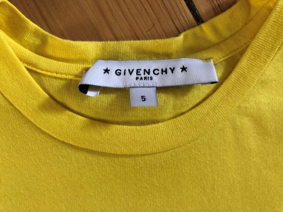T-shirt, Tshirt, Givenchy
