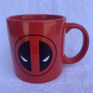 Large-Red-Deadpool-Marvel-Mug-Mask-Deadpool-Preowned