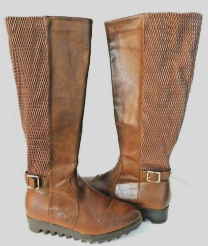 Women's Size 7 Db Dk Fashion Knee High Boots Lug S