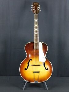 1950-039-s-SILVERTONE-MADE-BY-HARMONY-ARCHTOP-GUITAR
