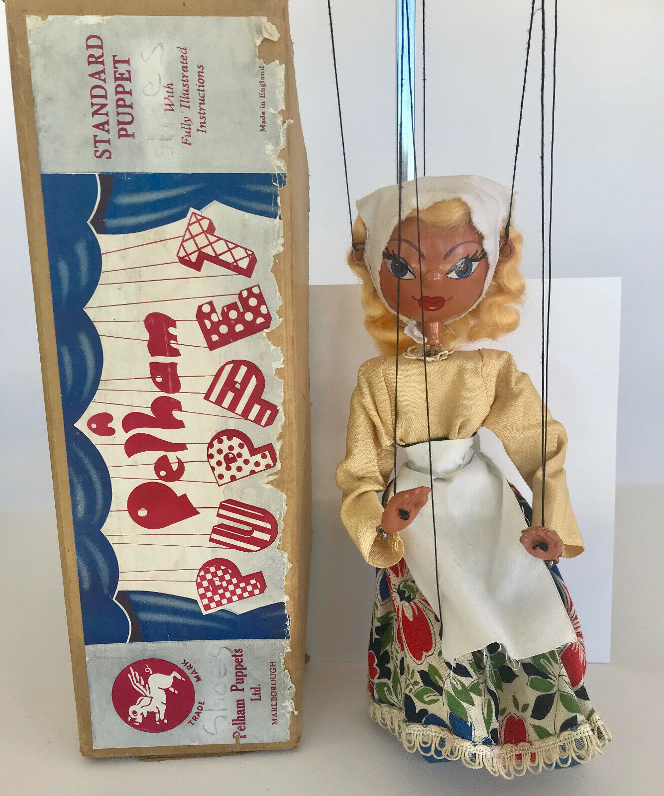 PELHAM PUPPET SS  DUTCH GIRL  WITH ORIGINAL BROWN BOX, VINTAG C1950