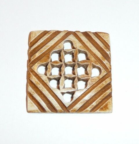 "Carved Large Bovine Bone Open-Work Square Button 1-3//16/"" Sq   Lt Brown Finish"