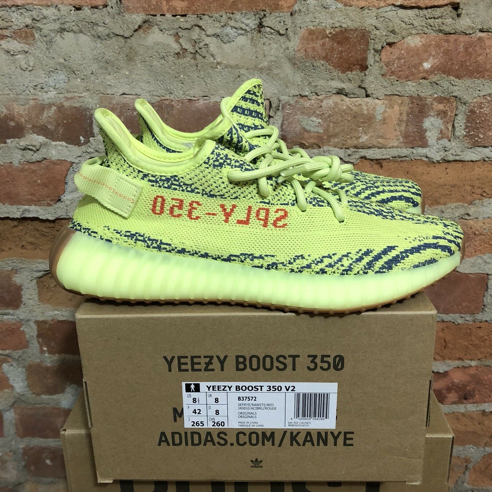 DS Adidas Yeezy Boost 350 V2 Frozen Yellow B37572 Size 8.5