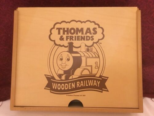 2007 Gullane Thomas & Friends Wooden Railway Train Collector Storage Box