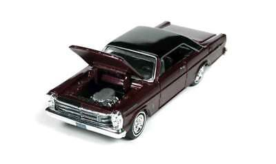 1//64 RACING CHAMPIONS 2D8 1965 Ford Galaxie 500 in Vintage Burgundy