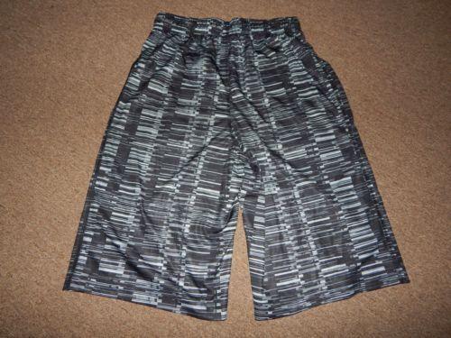 age 8-10 boys S Nike boys Fly Allover Dri-Fit training shorts