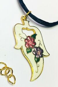 Pendant with purple flower and gold leaf
