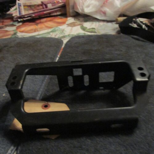 NOS 1970 FORD MUSTANG MACH 1 GRILL GRILLE SPORT LAMP MOUNTING BRACKET NOS NEW